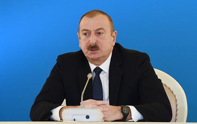 Prezident zəncirlənmiş erməni əsgərlərdən danışdı: