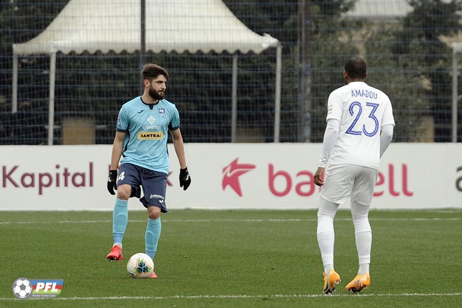 """Yunan """"Neftçi""""dən bu futbolçunu nişan verdi: """"Ondan ehtiyatlı olun"""""""