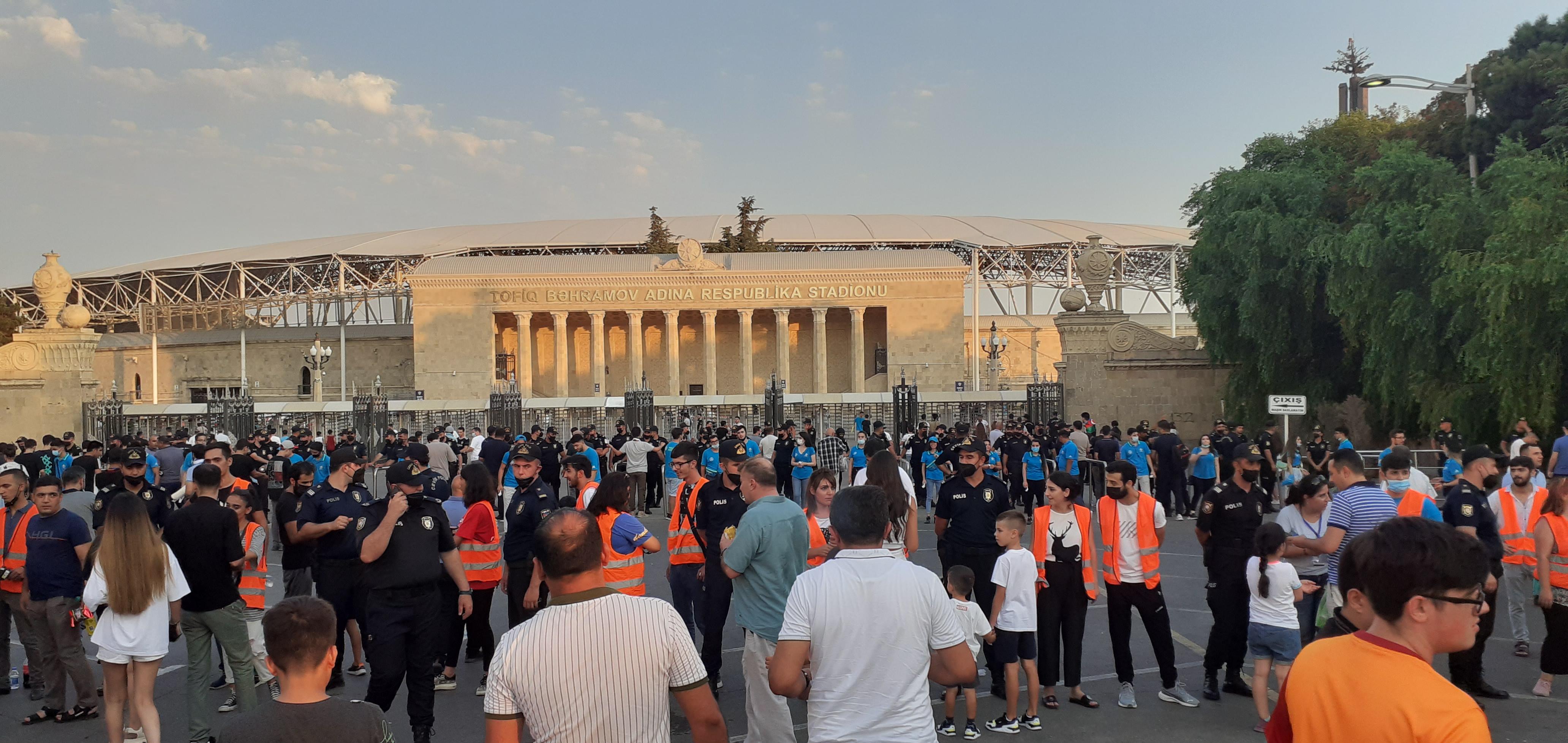 """""""Qarabağ""""ın oyunu öncəsi stadionda yaşananlar - FOTOLAR"""