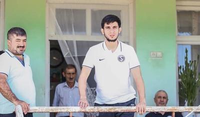 Azərbaycanlı futbolçu 10 il sonra ata ocağında -