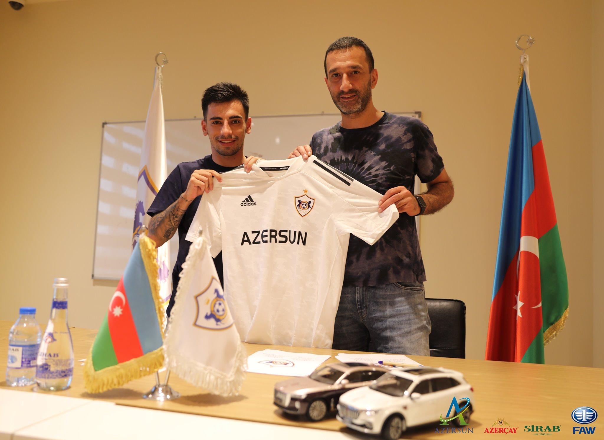 """Yeni transfer """"Qarabağ""""a keçidindən yazdı: """"Həyəcanlıyam"""""""