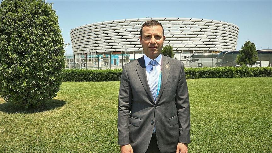 Elxan Məmmədov futbolçuları sorğu-suala tutdu, ÇOXLU ŞİKAYƏT EŞİTDİ