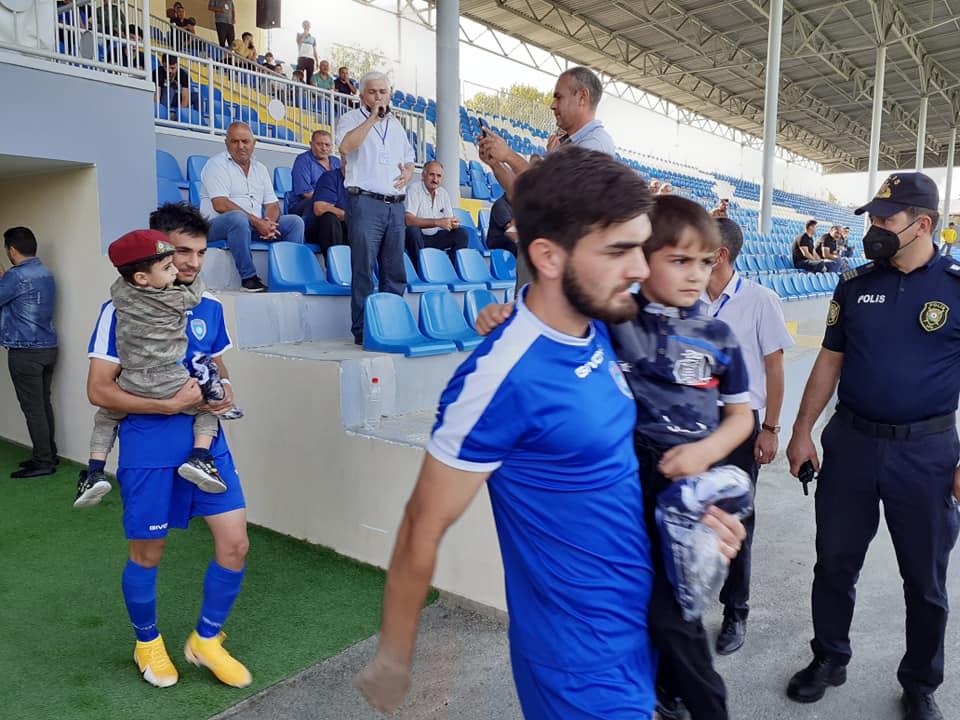 Tovuzlu futbolçulardan şəhid övladlarına böyük ehtiram - VİDEO+FOTOLAR