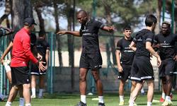 https://www.sportinfo.az/idman_xeberleri/neftci/123150.html