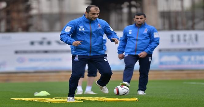"""Azərbaycan futbolunun """"professor""""u """"kölgə""""də qaldı"""